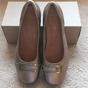 NWT CLARKS LEATHER UPPER SHOES